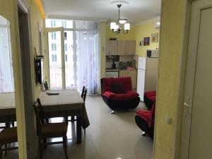 White Magnolia Apartment, Apartmány  Batumi - big - 5