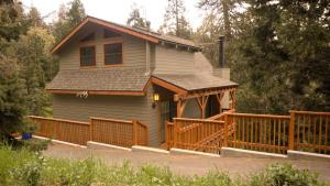 LACC Tree House Cabin
