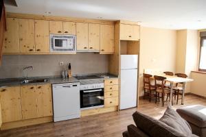 Apartamentos Mont Romies, Ferienwohnungen  Salardú - big - 6