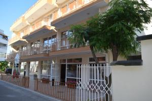 Hotel Eva, Hotel  Ravda - big - 12