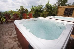 Serenity Mountain Pool Lodge - Nine Bedroom, Ferienhäuser  Sevierville - big - 14