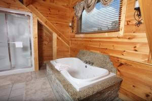Serenity Mountain Pool Lodge - Nine Bedroom, Ferienhäuser  Sevierville - big - 30