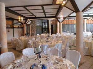 Umbria Volo Country Resort, Holiday homes  Montecastrilli - big - 46
