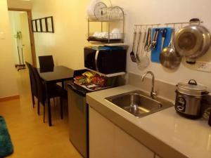 George Place, Apartments  Manila - big - 50