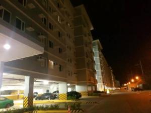 George Place, Apartments  Manila - big - 33