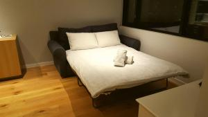 CBD ONE BEDROOM SUITE - FITS 5, Apartmanok  Melbourne - big - 3
