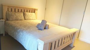 CBD ONE BEDROOM SUITE - FITS 5, Apartments  Melbourne - big - 4