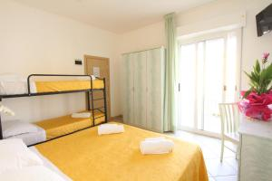 Hotel Baltic, Отели  Мизано-Адриатико - big - 12