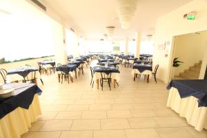 Hotel Baltic, Отели  Мизано-Адриатико - big - 36