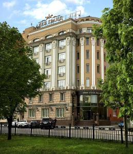 Отель Аллея Гранд