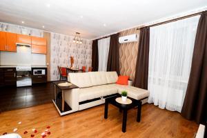 Apartment on Bakunina 139