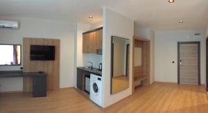 Metrocity Batumi Apartments & Residence, Apartments  Batumi - big - 53