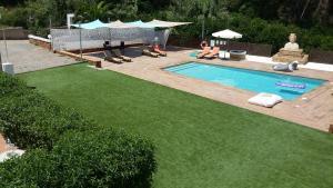 Apartamentos Colomar, Apartmány  Playa de Es Figueral - big - 24