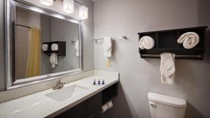 Best Western Plus Lonestar Inn & Suites, Hotely  Colorado City - big - 11