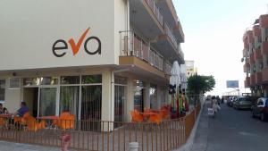 Hotel Eva, Hotels  Ravda - big - 1