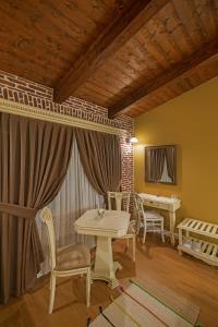 Casa Gaçe Hotel, Hotel  Korçë - big - 65