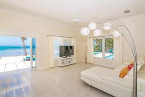 Sprat Bay Luxury Villa, Villas  Half Way Pond - big - 16