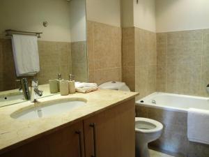 Apartment in Foutain Suites Hotel - 813FS, Ferienwohnungen  Kapstadt - big - 13