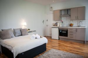 Piccadilly Garden Apartments