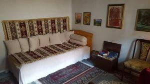 A room for one in a traditional Bosnian house - фото 8