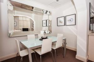 Delightful 2BD Apartment In The Heart Of Pimlico, Apartmány  Londýn - big - 6