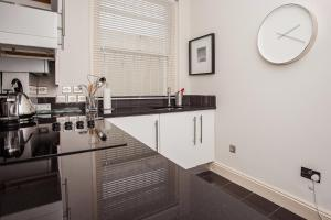 Delightful 2BD Apartment In The Heart Of Pimlico, Apartmanok  London - big - 24