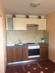 Apartment Bonaca, Ferienwohnungen  Budva - big - 14