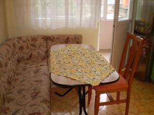 Apartament Niki, Apartmány  Pomorie - big - 7