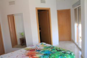 Sunny Apartment, Apartmanok  Alicante - big - 14