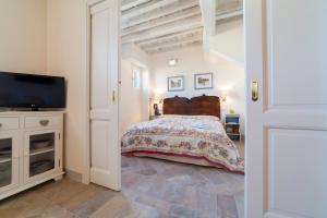Charming loft near Ponte Vecchio, Апартаменты  Флоренция - big - 3