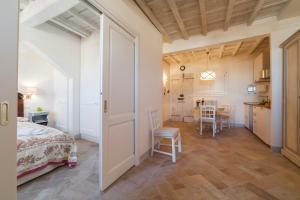 Charming loft near Ponte Vecchio, Апартаменты  Флоренция - big - 7