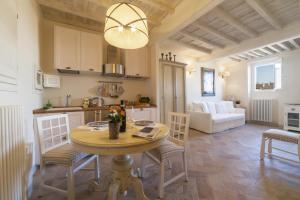 Charming loft near Ponte Vecchio, Апартаменты  Флоренция - big - 8