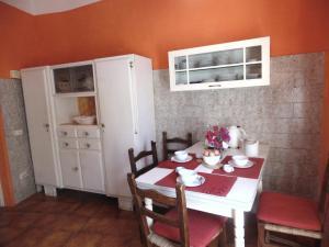 Villa Corallo by DdV, Apartmanok  Olbia - big - 5