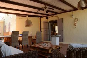 Villa Corallo by DdV, Apartmanok  Olbia - big - 53