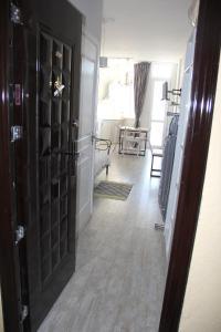 Квартира около моря, Appartamenti  Batumi - big - 9
