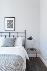 Four-Bedroom on Hamilton Place Apt 406, Apartmány  Boston - big - 16