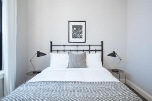 Four-Bedroom on Hamilton Place Apt 406, Apartmány  Boston - big - 7