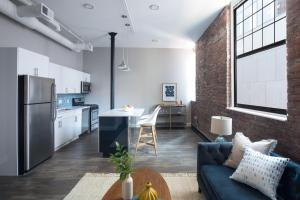 Four-Bedroom on Hamilton Place Apt 406, Apartmány  Boston - big - 5