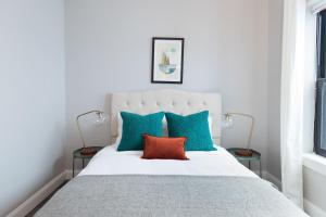 Four-Bedroom on Hamilton Place Apt 406, Apartmány  Boston - big - 6