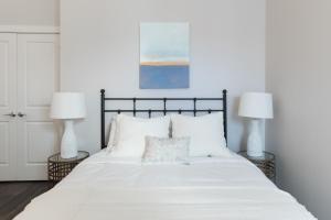 Four-Bedroom on Hamilton Place Apt 406, Apartmány  Boston - big - 11