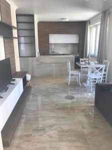 Botabara Del Mar Apartments, Apartmány  Pomorie - big - 61
