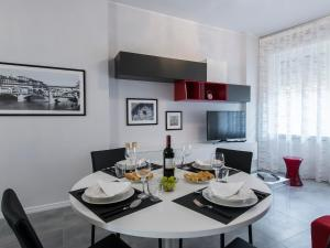 Pomona Halldis Apartment, Apartments  Florence - big - 4