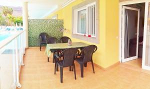 Golden Beach appartement met Pool, Apartmanok  Puerto de Mogán - big - 12