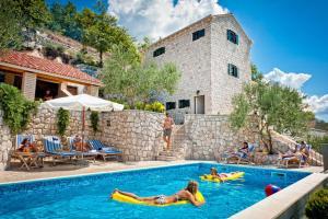 Luxury Villa Stolovi