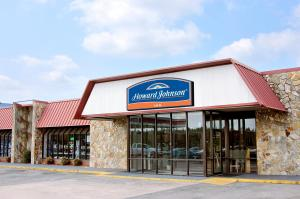 Nearby hotel : Howard Johnson Valdosta