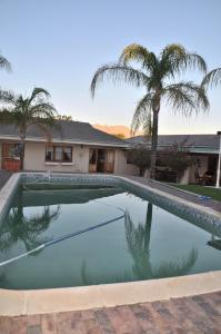 Clan Court Guesthouse, Bed & Breakfasts  Clanwilliam - big - 17