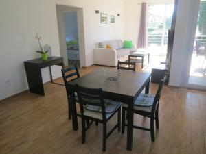 Apartment Prejac by the beach, Apartmanok  Malinska - big - 7