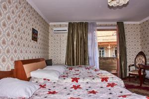 Triple Room with Terrace - Bed Guest House Flora