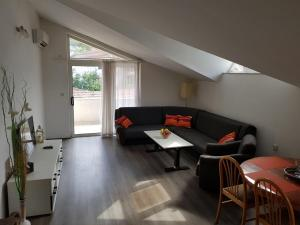 Tin Apartment