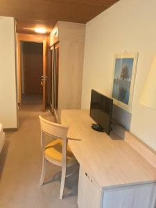 Hotel Sardona, Hotel  Elm - big - 37